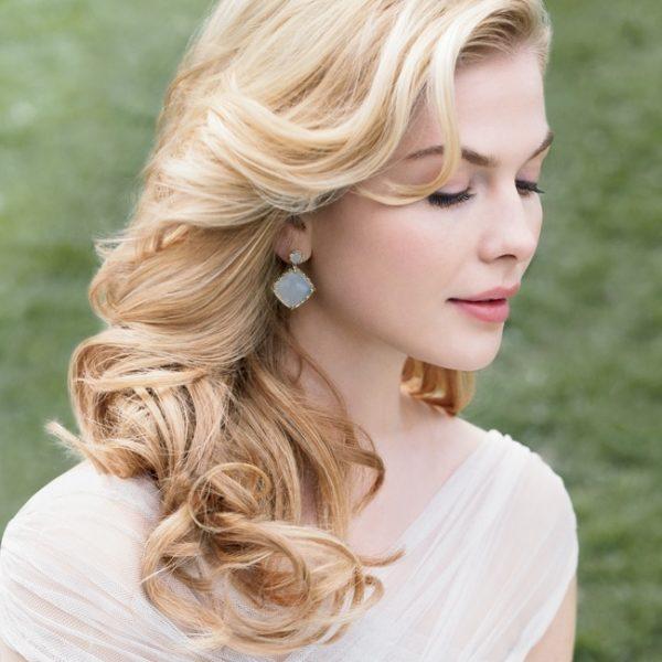 Cài tóc cô dâu nào cho mái tóc buông dài?