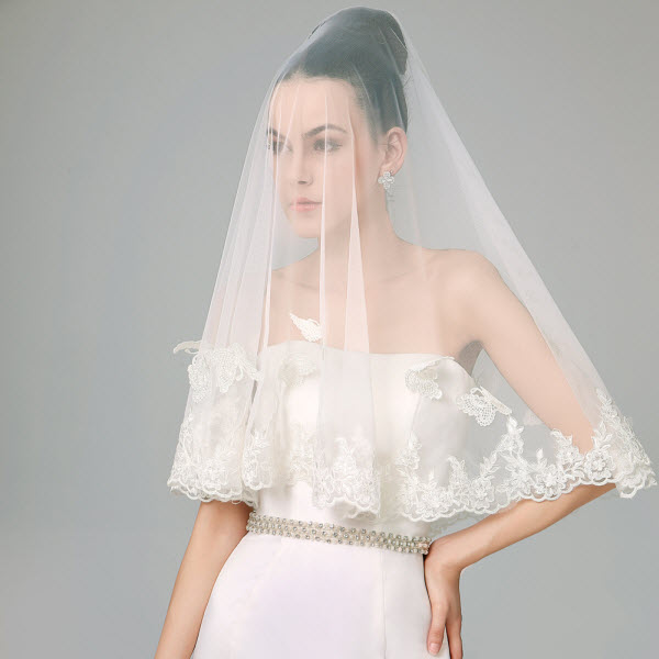Cách chọn khăn voan cô dâu và váy cưới nói gì về bạn