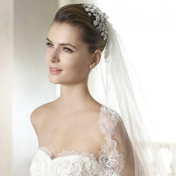 Xu hướng thời trang cưới và khăn voan cô dâu hot nhất năm