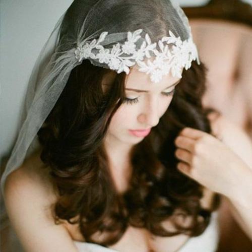 Ưu điểm khi lựa chọn băng đô cài tóc cô dâu