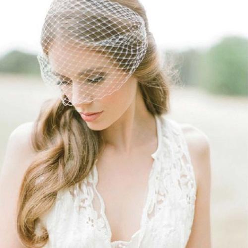 Xu hướng cài tóc dành riêng cho những cô nàng lãng mạn