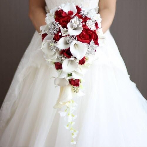 Xu hướng chọn hoa cầm tay cô dâu mùa đông độc đáo