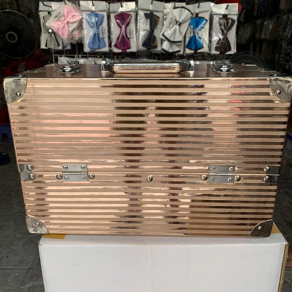 cốp 6 ngăn nhựa simili , bọc viền inox, 40x21x27