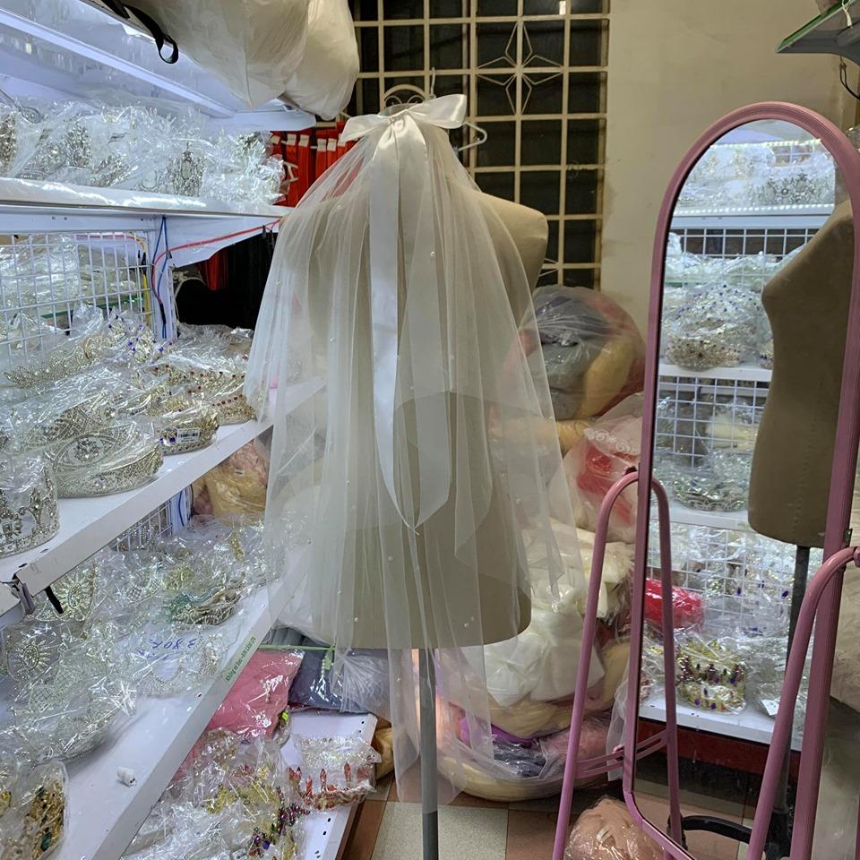 Khăn voan cô dâu trắng kèm nơ ruybang